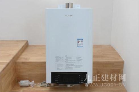厨房装修选方太热水器,让燃气热水器也能大方亮相