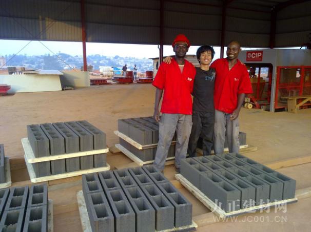 群峰机械与CIP集团时隔8年再次合作,共助喀麦隆建设