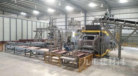 群峰QS2000全自动路面砖生产线正式投产,为中巴经济合作注入新动能
