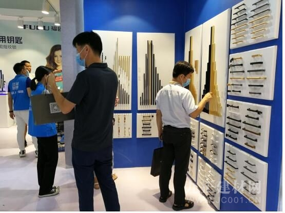 聚焦中国建博会(广州): 福固、福家人成智能五金新看点