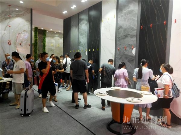 夹江陶瓷行业协会再次组团亮相中国·成都建博会