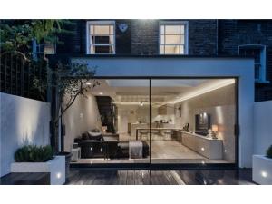 精致工業風+玻璃磚設計,在地下室也能享受陽光!