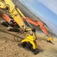 挖掘機振動夯實機路面夯實
