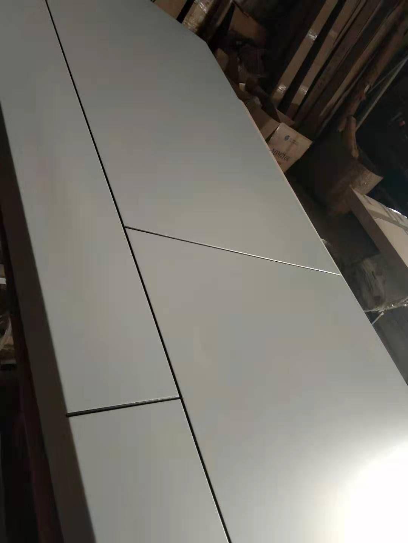 简约轻奢实木门 烤漆门就到广东红海豚门厂