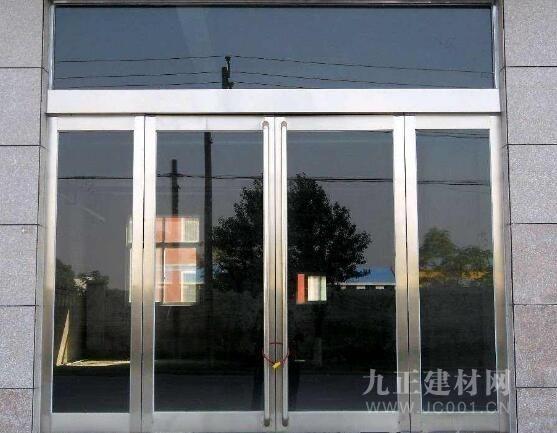 AG体育_一扇玻璃门大要几多钱?玻璃门装修结果图赏识