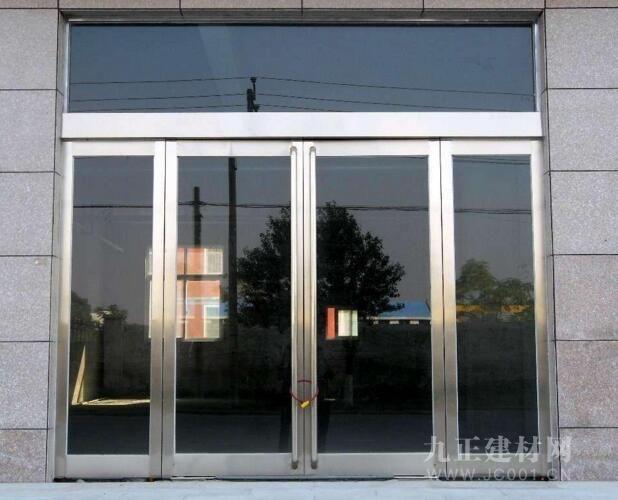 AG体育_玻璃门把手松了怎样修?玻璃门把手维修常识