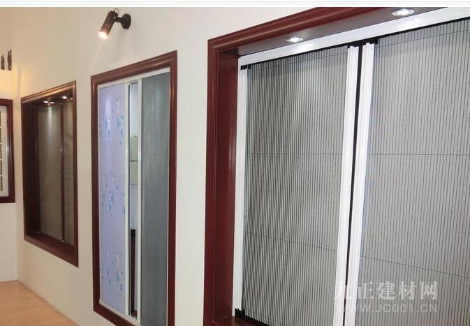 外平开窗怎么装纱窗?纱窗怎么安装到轨道上?