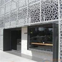 铝窗花 整体通透,祥和,色泽丰富,有立体感和开放感
