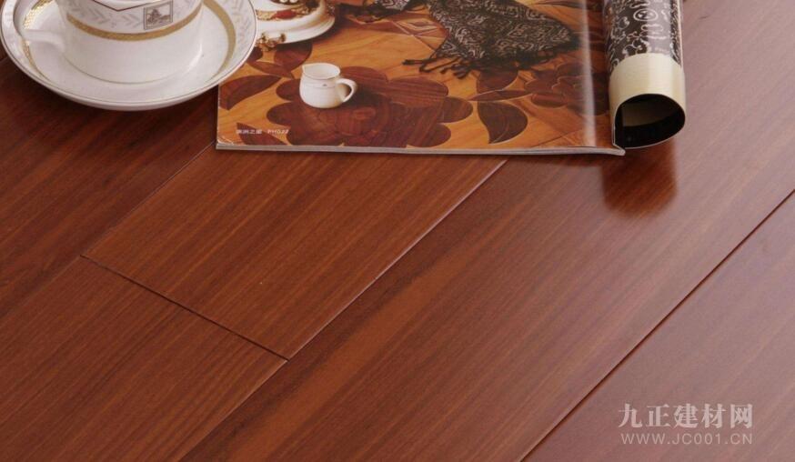 实木复合好还是强化好?复合地板甲醛高不高?