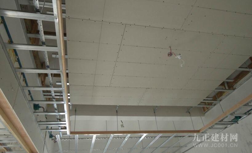 轻钢龙骨石膏板吊顶装修效果图1