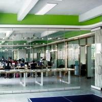 广东一固65型无边框玻璃隔断屏风