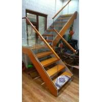 楼梯木门实木楼梯玻璃楼梯水泥基础楼梯铁艺楼梯衣柜酒柜木饰面