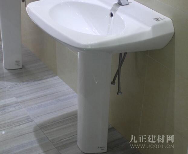 卫生间立柱盆图片1