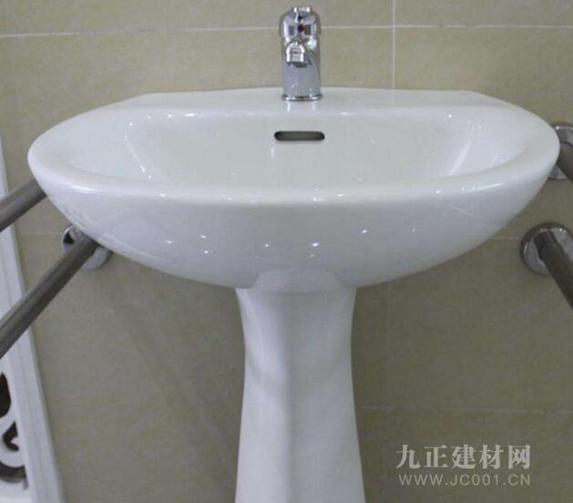 卫生间立柱盆图片2