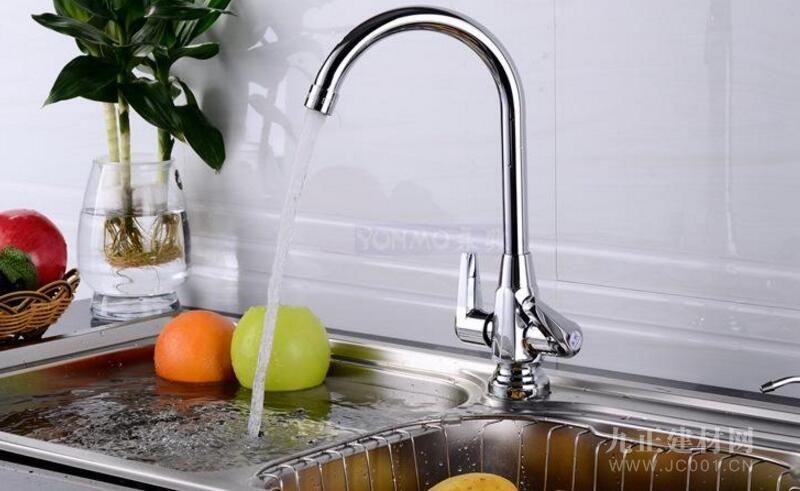 厨房水槽水龙头
