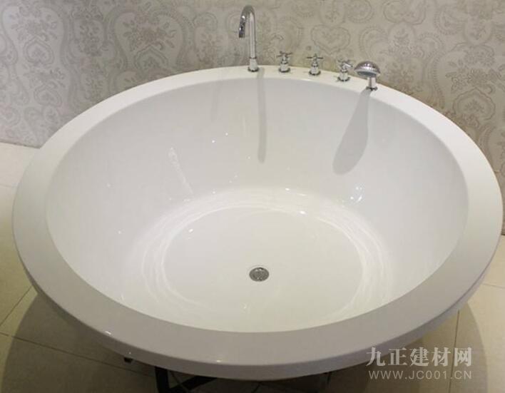 圆形浴缸装修效果图5
