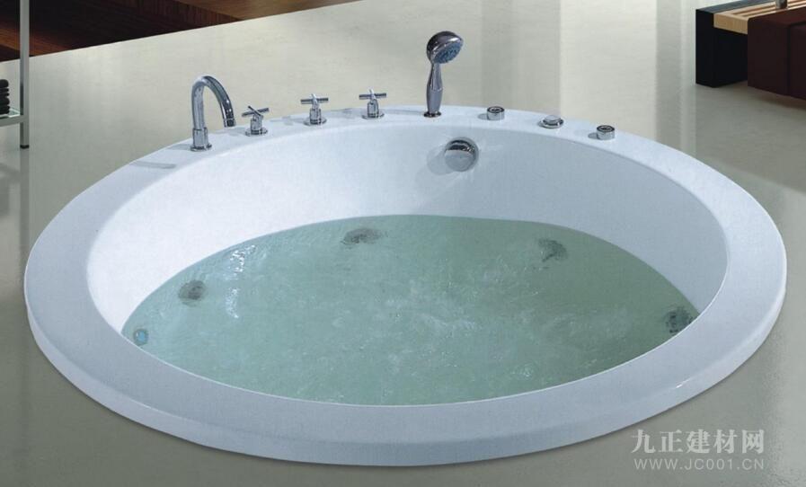 圆形浴缸装修效果图