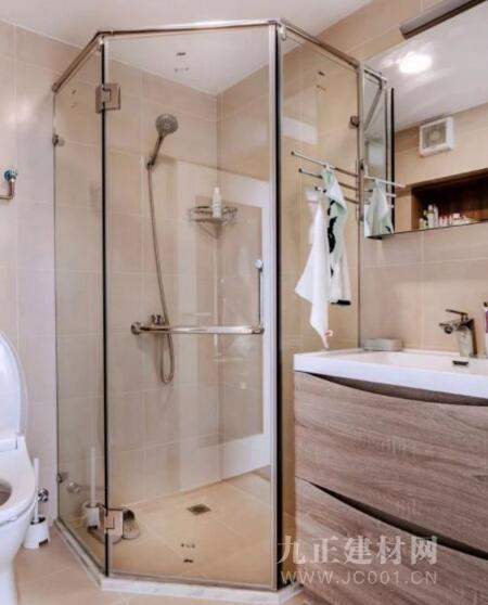 钻石形淋浴房