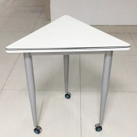 三角桌臺架定制,三角形洽談桌鋼腳,三角形辦公臺鋼架定制