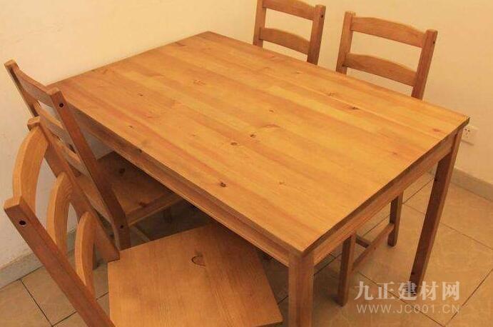 四人餐桌效果图1
