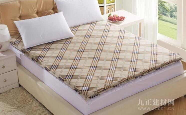 床垫的厚度多少合适?