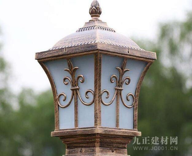 大门柱子上装什么灯 墙头灯好不好