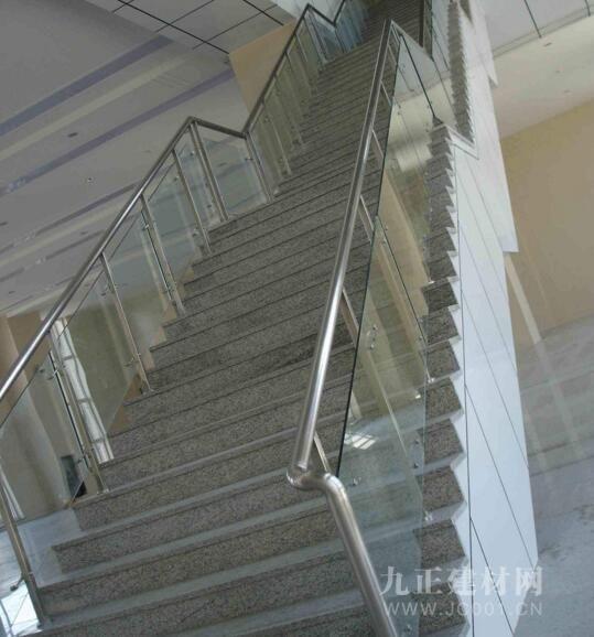 玻璃楼梯扶手怎么样?