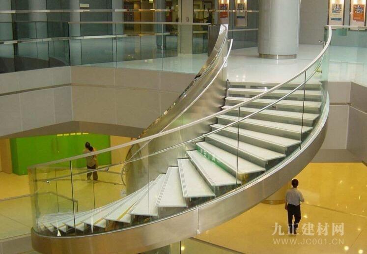 圆形旋转楼梯尺寸一般是多少?圆形旋转楼梯尺寸设计规范