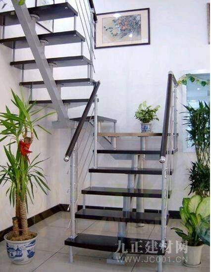钢木楼梯扶手安装方法 钢木楼梯扶手安装注意事项