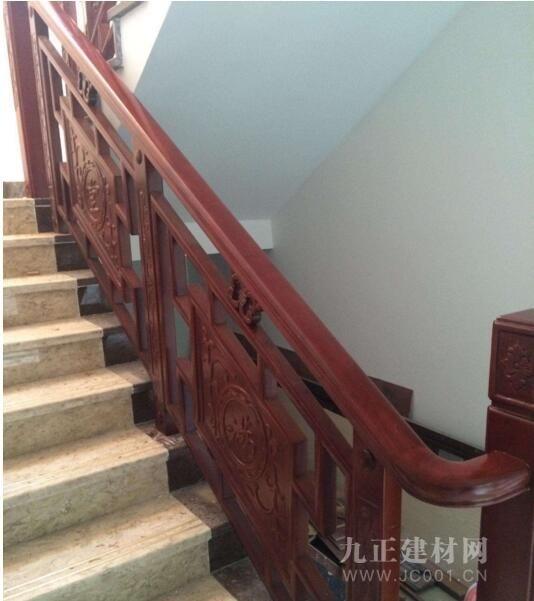 楼梯木扶手安装效果图2