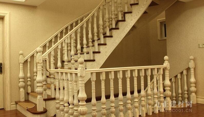 楼梯木扶手安装效果图6