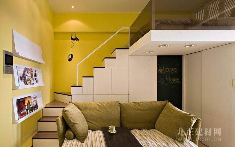 带楼梯的客厅效果图1