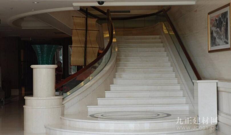 楼梯踏步用什么石材好?