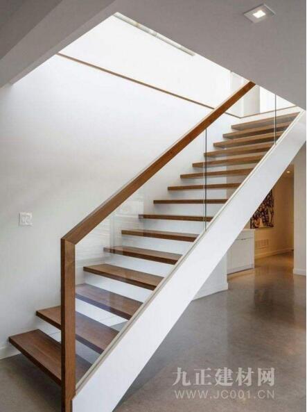 楼梯装修用什么材料好?