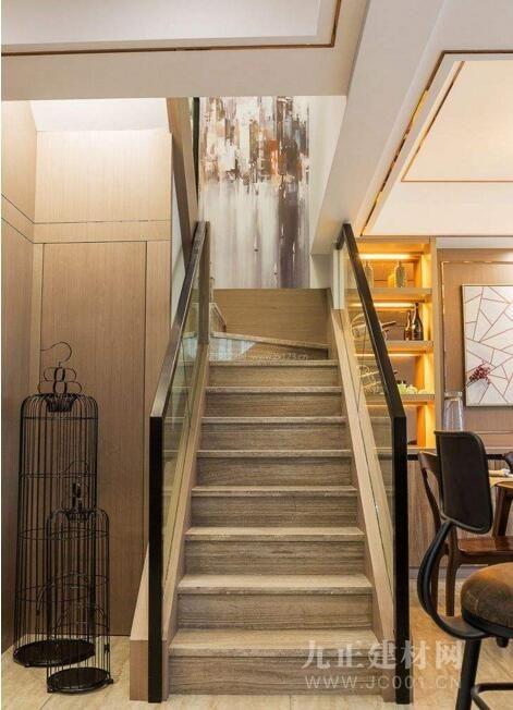 家装楼梯设计效果图2