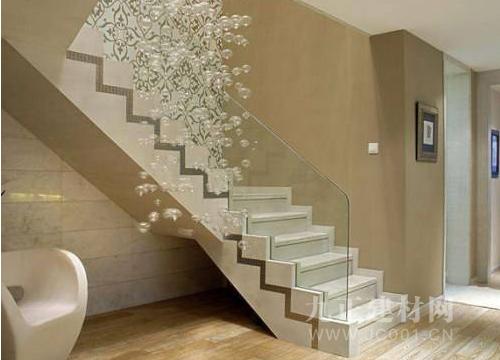 复式水泥楼梯