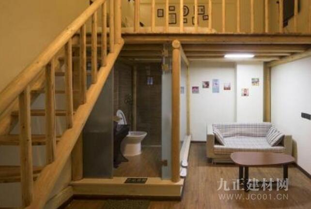 楼梯卫生间