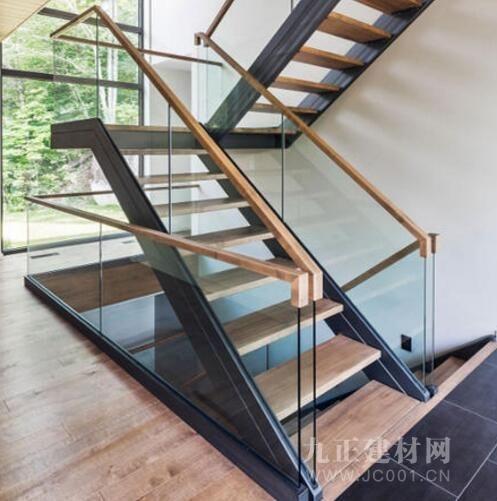 铁艺阁楼楼梯装修效果图1