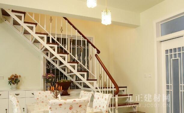 铁艺阁楼楼梯装修效果图4
