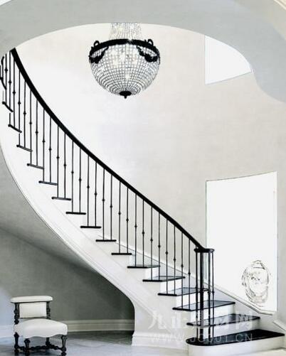别墅旋转楼梯设计效果图4