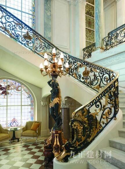 别墅旋转楼梯设计效果图7