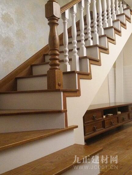 水曲柳楼梯