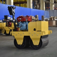 供應全新小型壓路機柴油壓實機雙輪壓路機