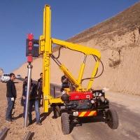 护栏打桩机装载机 公路护栏打桩 小型液压打桩机