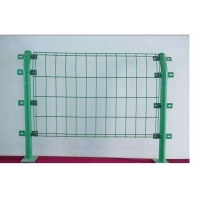 双边护栏网 高效防腐 不受地形起伏限制