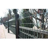 冷拔低炭钢丝、低碳钢丝 三角护栏网 三角折弯护栏网