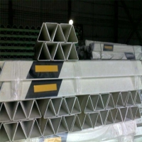 柱式轮廓标8道路两旁柱式轮廓标8柱式轮廓标安装标准