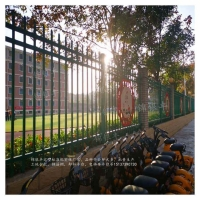 河南围墙护栏厂家的小区围墙护栏加工批发价格