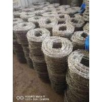 热镀锌刺绳铁网镀锌钢丝网防锈带刺铁丝现货