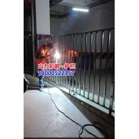 電動車智能管理護欄、電動車安全欄安裝中、山力崗亭廠
